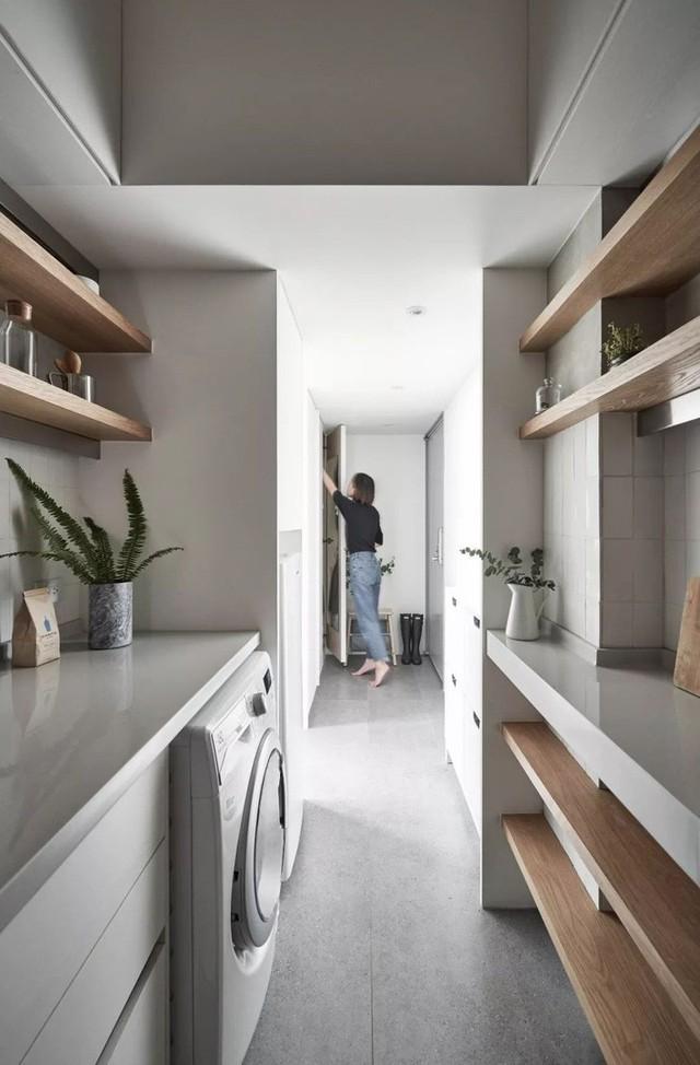 Căn hộ của cô gái độc thân chỉ 17.6m² mà ngỡ như 76m² với cách thiết kế thông minh - Ảnh 1.