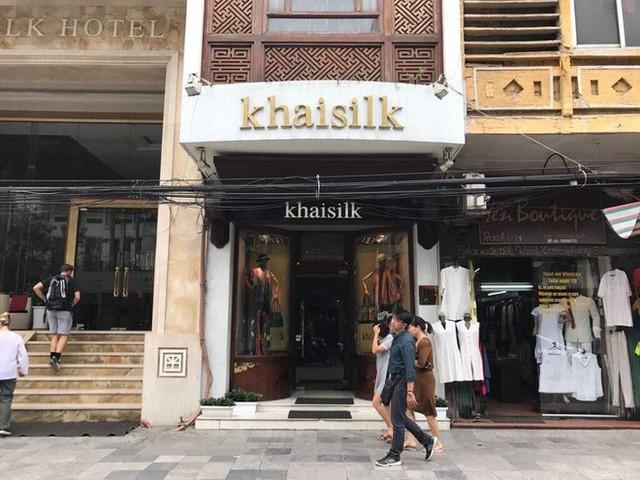 Sau hai năm đóng cửa, cửa hàng KhaiSilk tu sửa, gỡ biển hiệu - Ảnh 2.