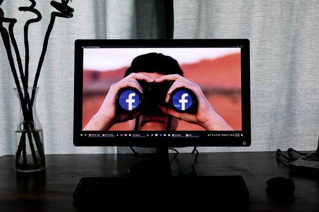 Nữ nhà báo khẳng định Facebook đang theo dõi chúng ta: Mọi chuyện bắt đầu khi tôi đang muốn... đi toilet - Ảnh 3.