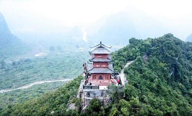 Chùa Tam Chúc, nơi đang diễn ra Đại lễ Phật đản 2019 lớn thế nào? - Ảnh 2.