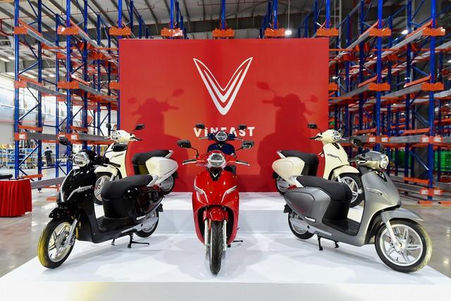 Hành trình thần tốc của VinFast: Ra mắt hàng loạt mẫu xe trong chưa đầy 2 năm, sắp chính thức khánh thành nhà máy sản xuất ô tô - Ảnh 4.
