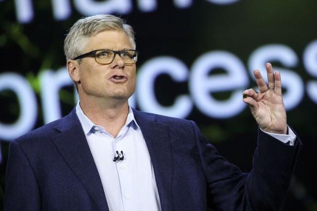 Dàn xếp êm đẹp tranh chấp pháp lý với Apple, CEO Qualcomm được thưởng nóng 3,5 triệu USD - Ảnh 1.