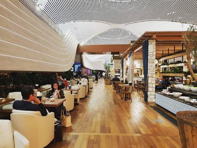 """Trầm trồ trước sân bay """"chịu chơi"""" nhất thế giới khi đầu tư hẳn cả phòng chờ sang chảnh chẳng kém khách sạn 5 sao - Ảnh 20."""