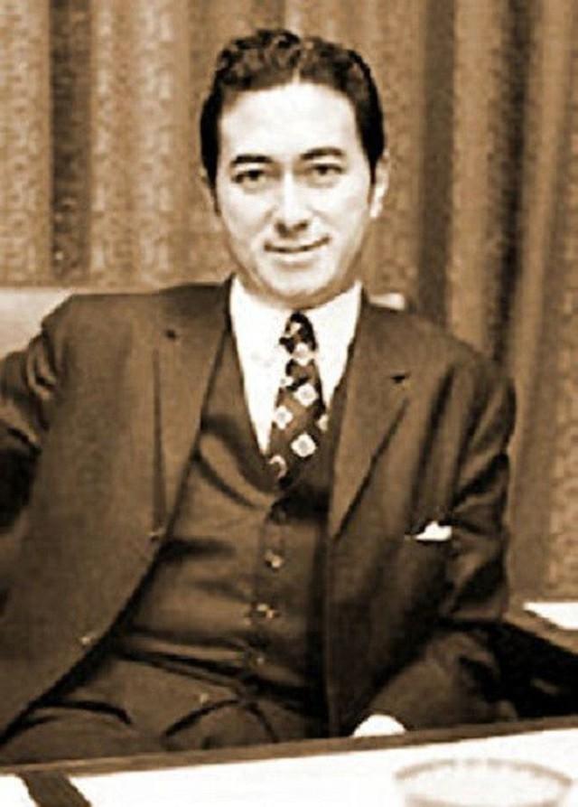 Vua sòng bạc Macau Hà Hồng Sân thời trẻ: Đẹp trai, giàu có, hoàn hảo hơn tất cả các nam thần trong ngôn tình - Ảnh 6.