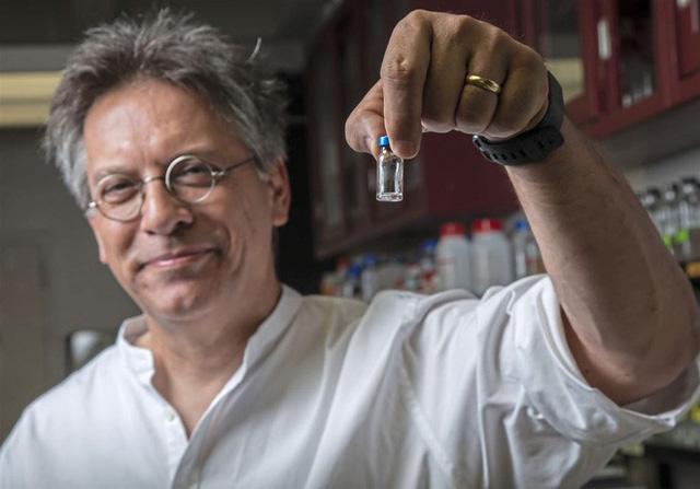 Nhiễm trùng kháng tất cả kháng sinh, một bé gái người Anh được cứu sống nhờ thể thực khuẩn biến đổi gen - Ảnh 5.