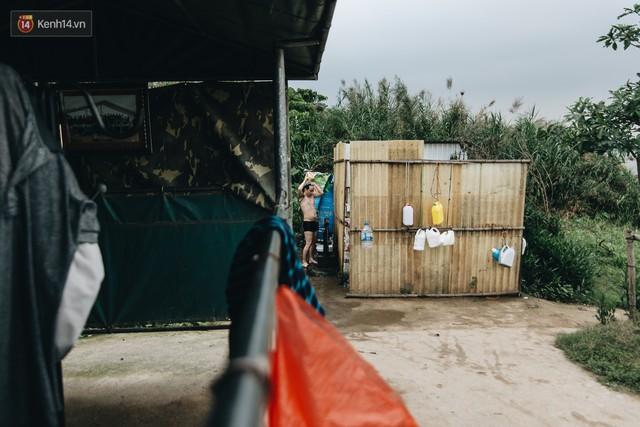 Sân tập thể hình tự chế của các lão bối: Vừa tập, vừa có thể ngắm sông Hồng và cầu Long Biên - Ảnh 10.