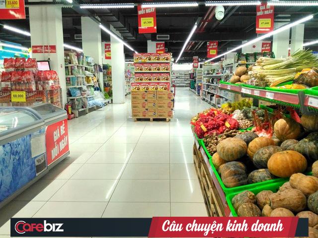 Bị cạnh tranh quá khốc liệt, tập đoàn bán lẻ Pháp Auchan quyết định rời thị trường Việt Nam, đang tìm người mua tiềm năng cho chuỗi 18 siêu thị thua lỗ - Ảnh 1.