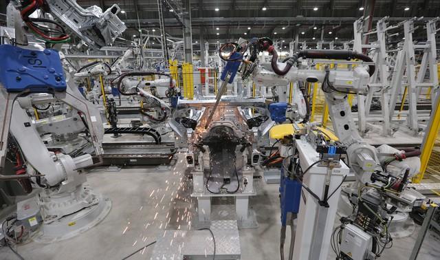 vinfast - bu8a7549 15579628919291723295702 crop 1557963515485124269941 - Hé lộ hình ảnh bên trong nhà máy sản xuất ô tô sắp khánh thành của VinFast