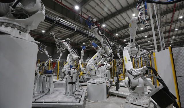 vinfast - bu8a7559 15579628919301024946931 crop 15579635025811355431115 - Hé lộ hình ảnh bên trong nhà máy sản xuất ô tô sắp khánh thành của VinFast