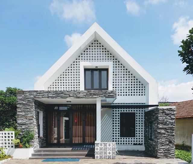 [Ảnh] Kiến trúc đẹp và sang trọng của nhà 1 tầng ở Đồng Hới - Ảnh 1.