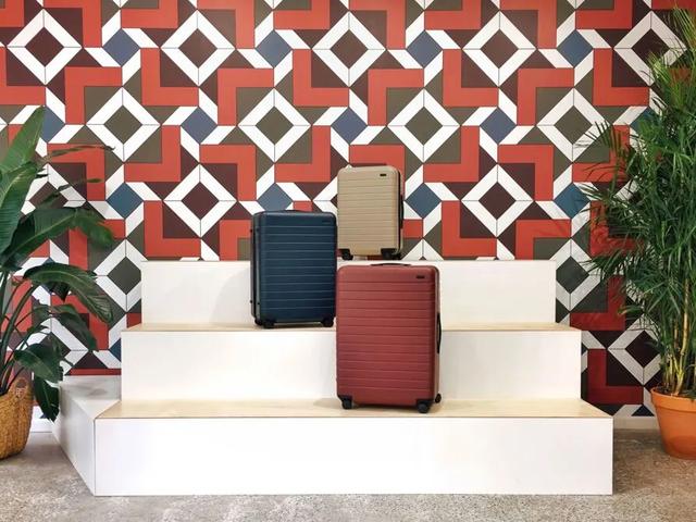 Bán vali trên Instagram nhờ người nổi tiếng, 2 nữ doanh nhân này tạo ra startup được định giá 1,4 tỷ USD - Ảnh 1.