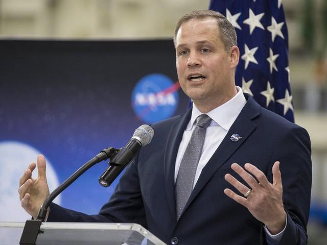 Nhà Trắng muốn chi thêm 1,6 tỷ USD cho NASA để nhanh chóng trở lại Mặt Trăng - Ảnh 1.