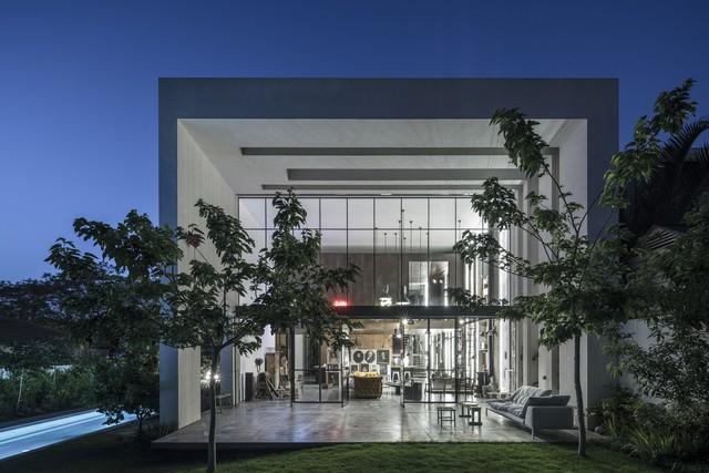 [Ảnh] Ngôi nhà mang phong cách viện bảo tàng, lưu giữ hàng nghìn kỷ vật - Ảnh 2.