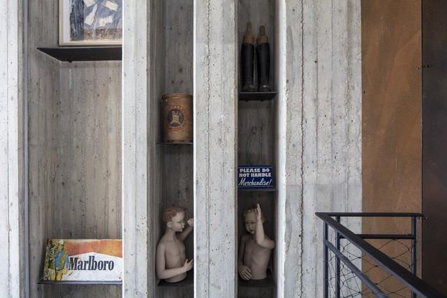 [Ảnh] Ngôi nhà mang phong cách viện bảo tàng, lưu giữ hàng nghìn kỷ vật - Ảnh 11.