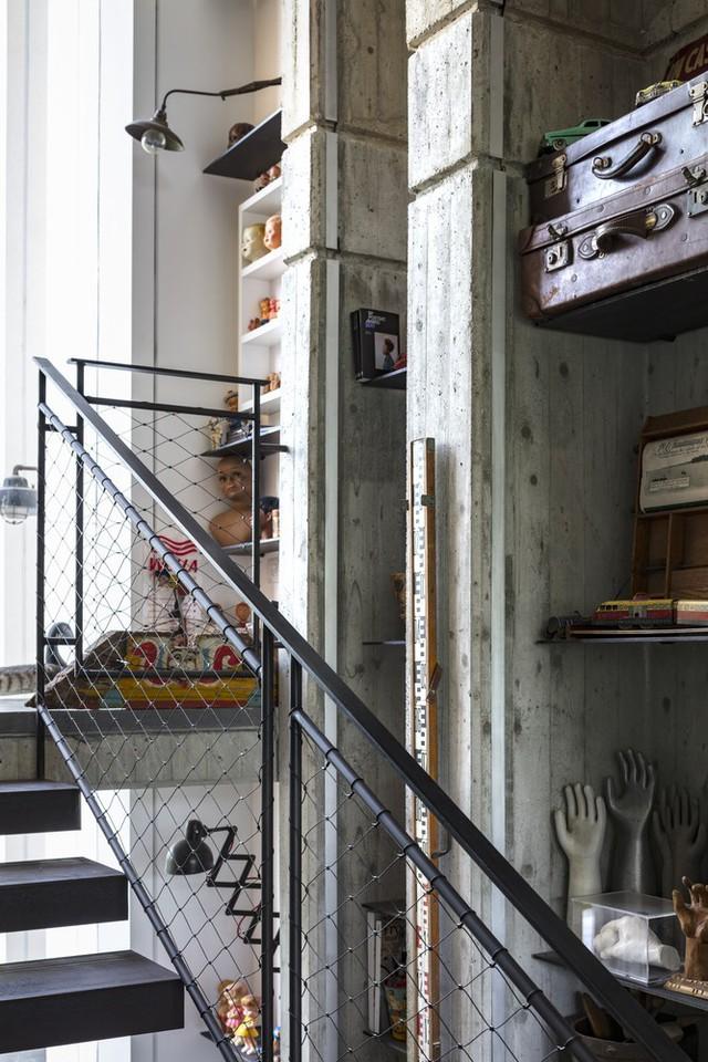 [Ảnh] Ngôi nhà mang phong cách viện bảo tàng, lưu giữ hàng nghìn kỷ vật - Ảnh 12.
