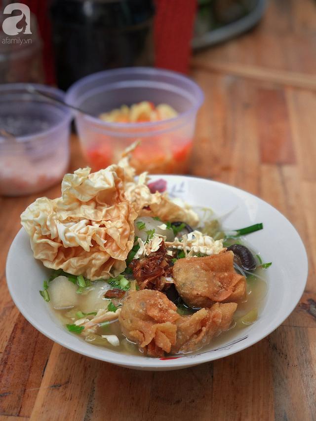 Quán ăn nhỏ hơn 40 năm tuổi góp phần làm nên văn hóa ẩm thực hẻm Sài Gòn: 7 ngày bán 7 món khác nhau, tuyệt hảo nhất chính là món chay - Ảnh 13.