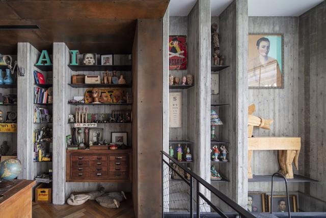 [Ảnh] Ngôi nhà mang phong cách viện bảo tàng, lưu giữ hàng nghìn kỷ vật - Ảnh 5.