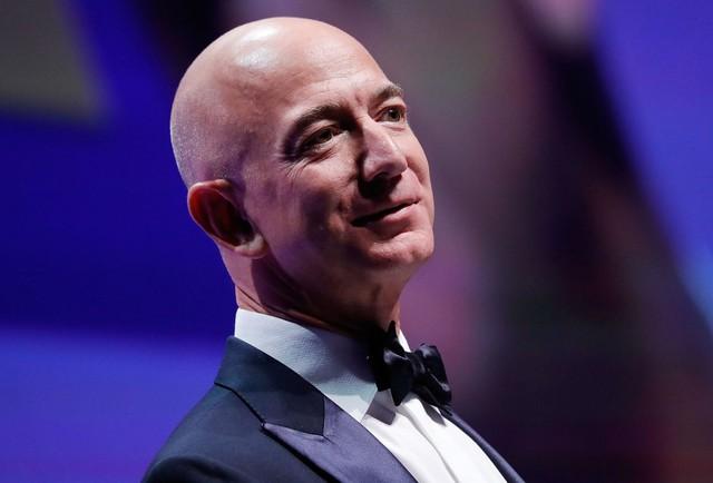 4 tuổi đã đến trang trại của ông nội làm việc suốt 12 mùa hè, Jeff Bezos học được 2 phẩm chất giá trị giúp tạo nên đế chế Amazon - Ảnh 1.