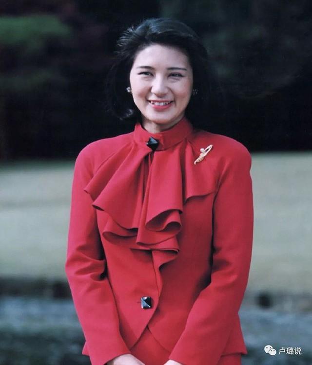 Tân Nhật hoàng Naruhito và vương phi u sầu Masako: Mối tình sét đánh, 6 năm theo đuổi, 3 lần cầu hôn và lời hứa bảo vệ em đến trọn đời - Ảnh 1.