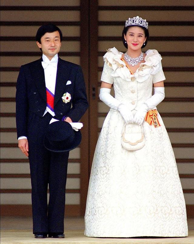 Tân Nhật hoàng Naruhito và vương phi u sầu Masako: Mối tình sét đánh, 6 năm theo đuổi, 3 lần cầu hôn và lời hứa bảo vệ em đến trọn đời - Ảnh 5.