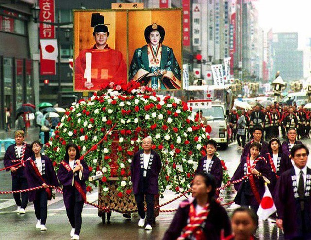 Tân Nhật hoàng Naruhito và vương phi u sầu Masako: Mối tình sét đánh, 6 năm theo đuổi, 3 lần cầu hôn và lời hứa bảo vệ em đến trọn đời - Ảnh 8.