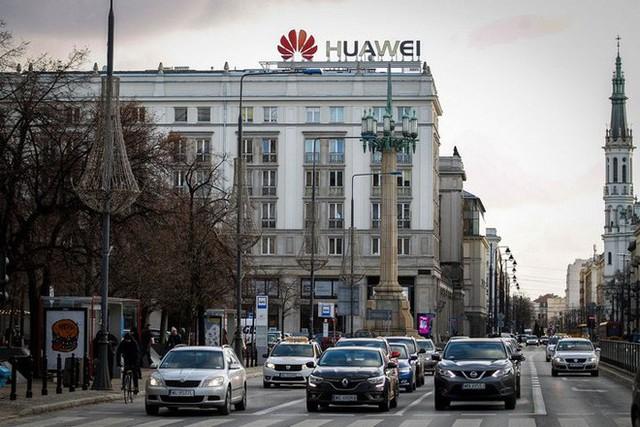 Mất đi mối làm ăn với Huawei, hàng loạt hãng công nghệ tại thung lũng Silicon có thể mất tới tiền tỉ doanh thu - Ảnh 1.