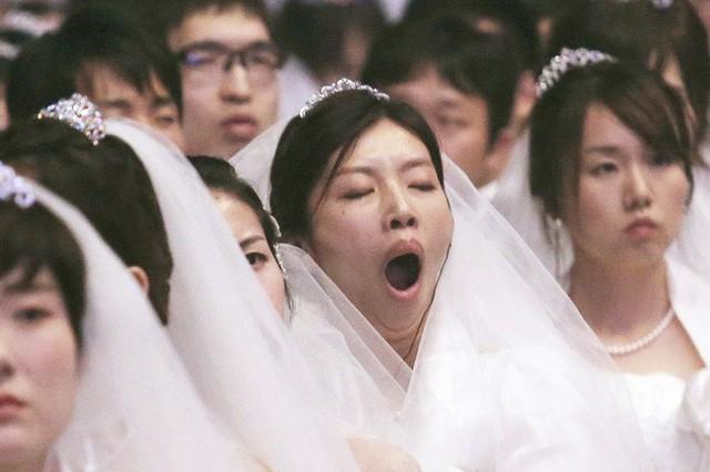 Câu chuyện ám ảnh về người vợ phải dậy từ 4h30 sáng nấu cơm cho mẹ chồng và thế hệ phụ nữ trẻ Hàn Quốc không yêu, không kết hôn, không con cái ngày nay - Ảnh 2.