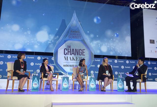 Chủ tịch Deloitte VN Hà Thu Thanh:Giới tính không cản trở phụ nữ làm lãnh đạo nhưng chúng ta bị tác động quá mạnh bởi cách nhìn của xã hội, tự phụ nữ cản trở chính mình! - Ảnh 1.