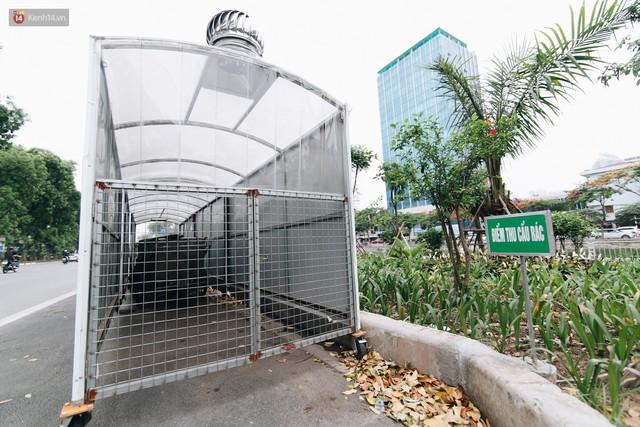 Nhiều tuyến phố ở Hà Nội xuất hiện những ngôi nhà di động cho xe rác - Ảnh 2.
