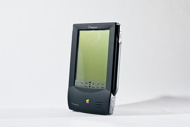 ARM là công ty Anh, sao phải theo Mỹ nghỉ chơi với Huawei? Chỉ vì Apple cách đây 30 năm... - Ảnh 2.