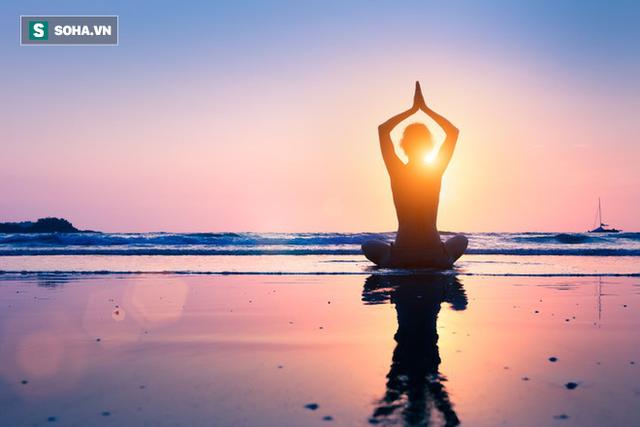 Lý do việc Đức Phật hướng lòng bàn tay ra ngoài và 4 cách để có cuộc sống vô ưu - Ảnh 2.