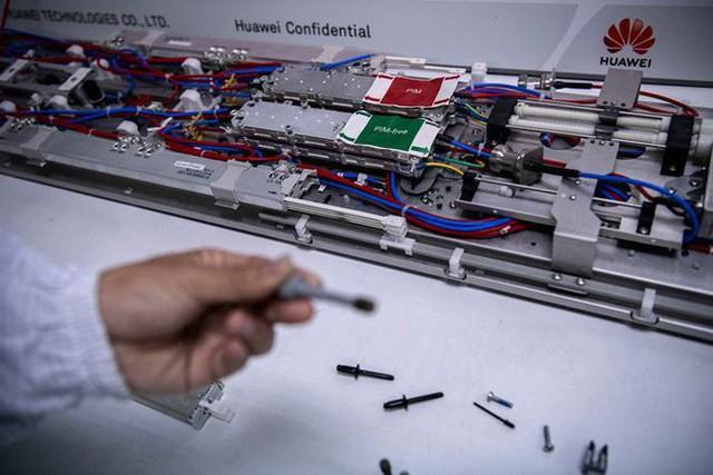 Khám phá 'tổng hành dinh' của Huawei - Ảnh 4.