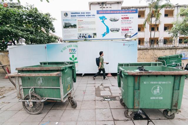 Nhiều tuyến phố ở Hà Nội xuất hiện những ngôi nhà di động cho xe rác - Ảnh 5.