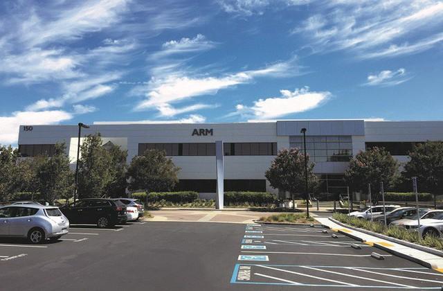 ARM là công ty Anh, sao phải theo Mỹ nghỉ chơi với Huawei? Chỉ vì Apple cách đây 30 năm... - Ảnh 4.