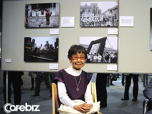 Cuộc đời rộn rã của phóng viên Tsuneko Sasamoto: 71 tuổi vẫn chăm chỉ làm việc, 86 tuổi miệt mài yêu đương, 102 tuổi gặt hái vinh quang vô tiền khoáng hậu - Ảnh 6.