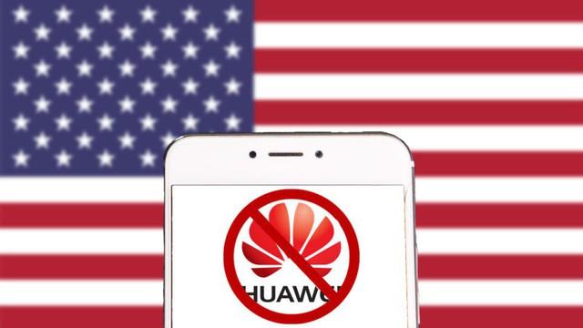 Tâng bốc Huawei và chế giễu Apple nhưng nhân vật mạnh mồm này lại vẫn dùng iPhone? - Ảnh 1.