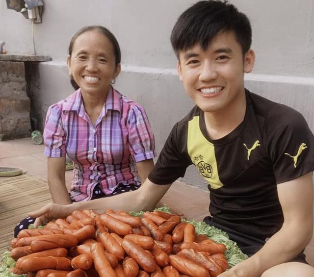 Hiện tượng mạng Bà Tân Vlog và giấc mơ của cộng đồng YouTuber Việt Nam - Ảnh 3.
