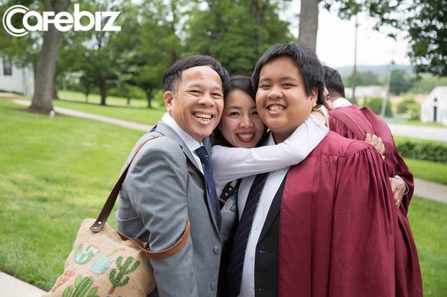 Đọc những chia sẻ xúc động của bố thần đồng Đỗ Nhật Nam trong ngày con trai tốt nghiệp THPT, hiểu vì sao họ nuôi dưỡng nên một tài năng khác biệt! - Ảnh 1.