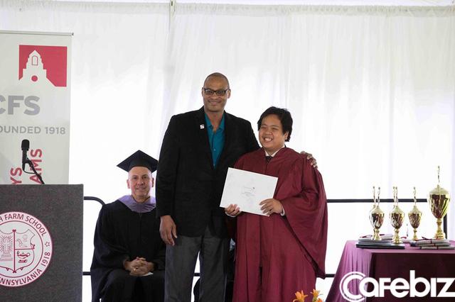 Đọc những chia sẻ xúc động của bố thần đồng Đỗ Nhật Nam trong ngày con trai tốt nghiệp THPT, hiểu vì sao họ nuôi dưỡng nên một tài năng khác biệt! - Ảnh 2.