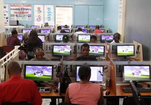 Trải nghiệm quán net ở châu Phi: Mở web mất 5 phút, có nơi thu phí cắt cổ tới 400.000 đồng/giờ - Ảnh 3.