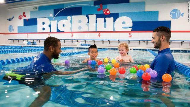 Giấc mộng Olympic tan tành vì chịu thua kình ngư Michael Phelps, VĐV bơi lội quyết định mở trường dạy bơi cho trẻ em và trở thành ông chủ startup thành đạt - Ảnh 2.