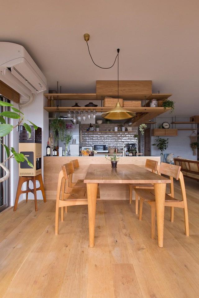 Căn hộ 85m² đẹp dịu dàng và ấm áp với màu gỗ của gia đình trẻ ở Nhật Bản - Ảnh 12.