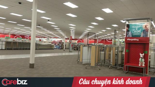 Tự tin mở liền 133 siêu thị, Target nhận ngay trái đắng: Tháo chạy sau 2 năm, lỗ 2,5 tỷ USD, sa thải 17.600 nhân viên - Ảnh 3.