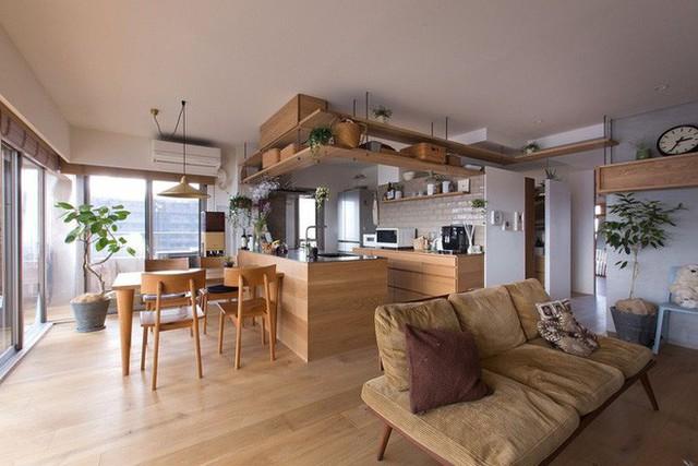 Căn hộ 85m² đẹp dịu dàng và ấm áp với màu gỗ của gia đình trẻ ở Nhật Bản - Ảnh 4.