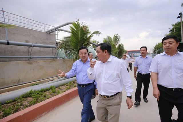Ông Dũng lò vôi uống nước thải đã xử lý trước mặt Bộ trưởng TN-MT - Ảnh 4.