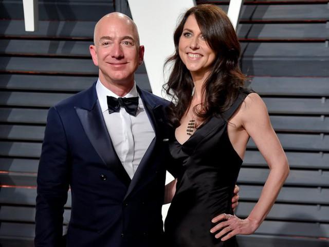 7 sự thật đáng kinh ngạc về Jeff Bezos sẽ cho bạn biết người giàu nhất thế giới giàu đến mức nào! - Ảnh 3.