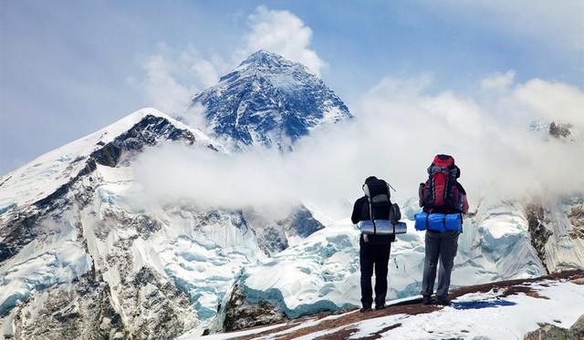 Tắc đường đến chết ở Everest: Thỏa mãn niềm đam mê hay chỉ là check-in cho bằng thiên hạ cùng góc khuất đáng sợ mạnh ai nấy sống - Ảnh 3.