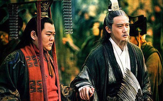 Màn khổ nhục kế trong nước cờ cuối đời của Lưu Bị: Vì đã nhìn thấu dã tâm Khổng Minh? - Ảnh 2.