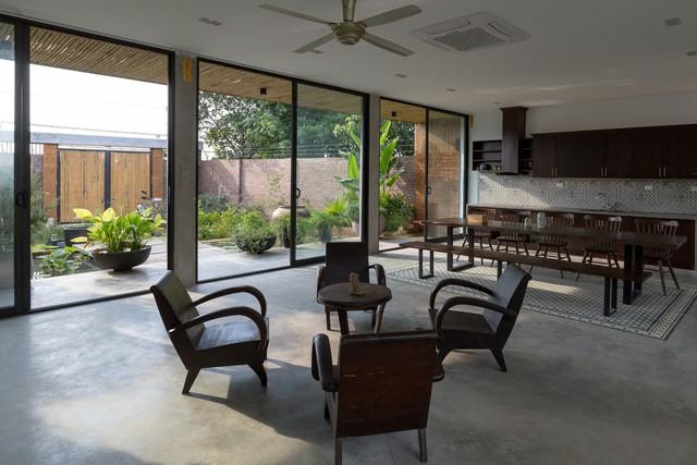 Thiết kế đơn giản nhưng ngôi nhà 1 tầng ở Hà Nội vẫn đẹp như biệt thự nghỉ dưỡng - Ảnh 2.