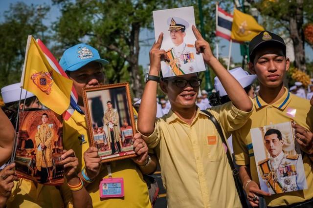 Toàn cảnh lễ đăng quang của Nhà vua Thái Lan Rama X - Ảnh 16.